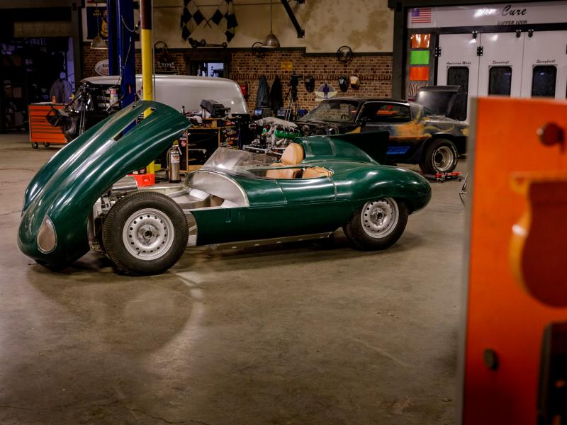 Stacey David - 1957 Jaguar D-Type